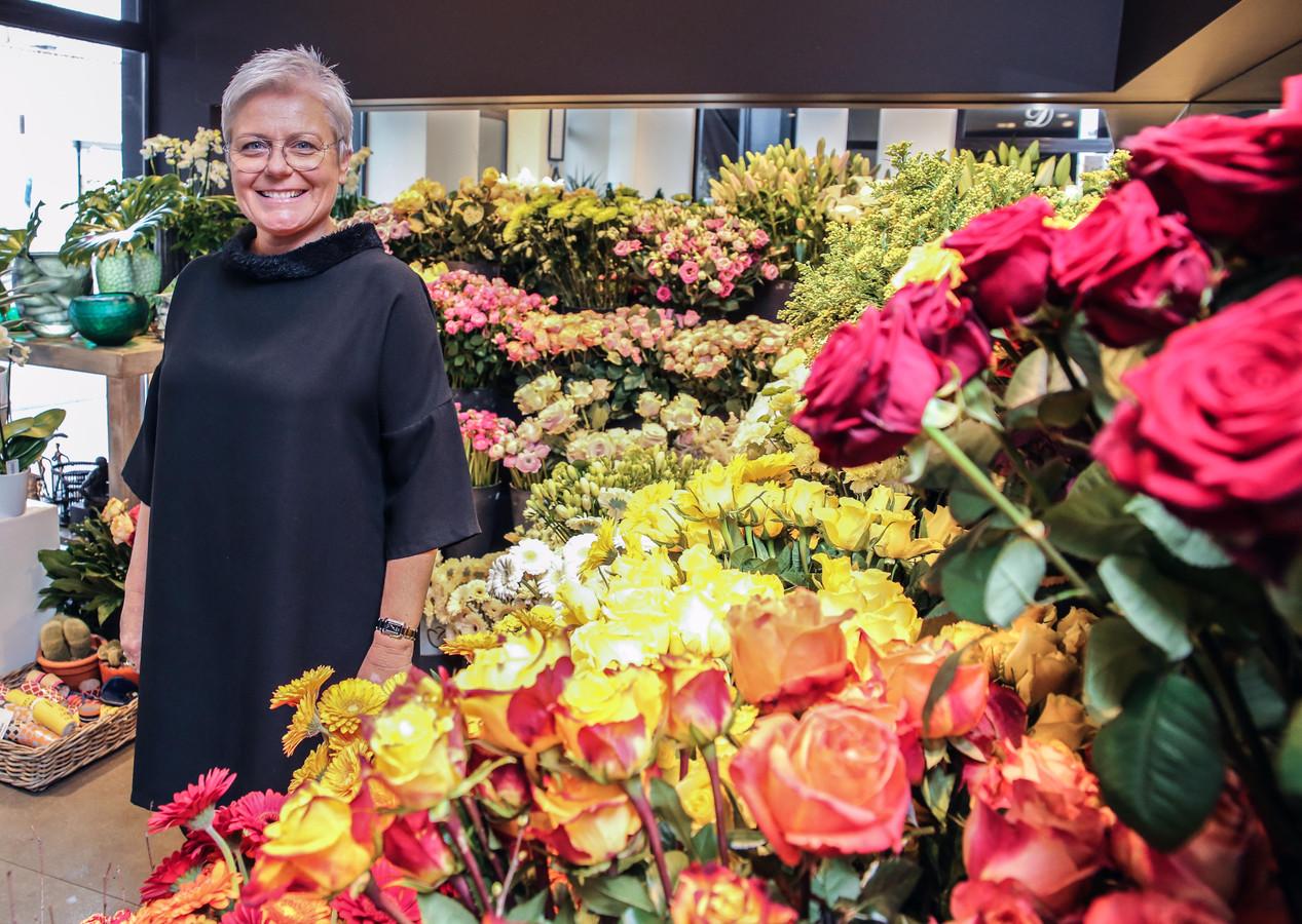 Unizo-voorzitter Gudrun Bekaert van bloemenzaak Descaplant in de Doorniksewijk.