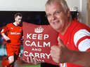 Melvin Chambers met zijn favoriete foto: Harry Kany in het shirt van zijn club Leyton Orient
