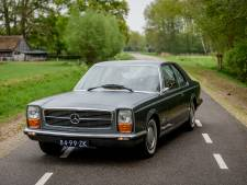 Van deze Mercedes Pininfarina is er maar een op de hele wereld. En hij staat in Goor