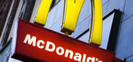 Ruzie om hamburgers en friet: medewerker en klant McDonald's vliegen elkaar in de haren