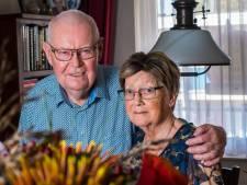 Henny en Diny uit Losser vieren diamanten huwelijk: 'We zijn nog steeds verliefd'