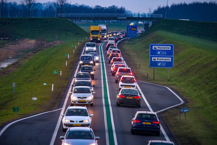 Voorlopig zijn automobilisten nog niet verlost van de files op de N50 bij Kampen.
