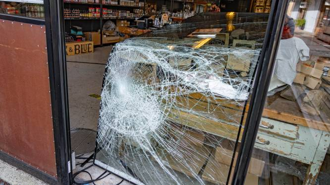 Kassalade gestolen bij inbraak in BBQ-winkel: 'De bakker zag twee jongens wegfietsen'