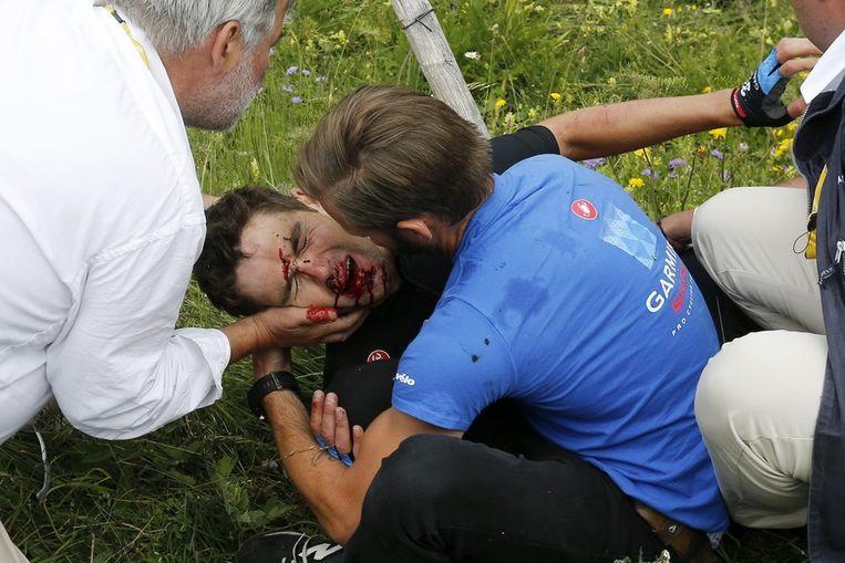 Jack Bauer belandde met zijn gezicht in de prikkeldraad van een weide. Beeld EPA