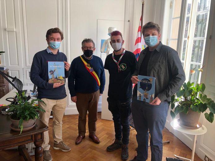 De Brugse Jeugdraad op bezoek bij burgemeester Dirk De fauw.