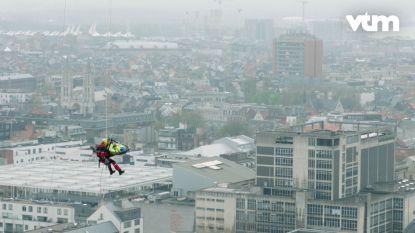 Hoogtevrees? Dan krijg jij vast kriebels in de buik van deze reddingsoefening van het Antwerpse RED-team