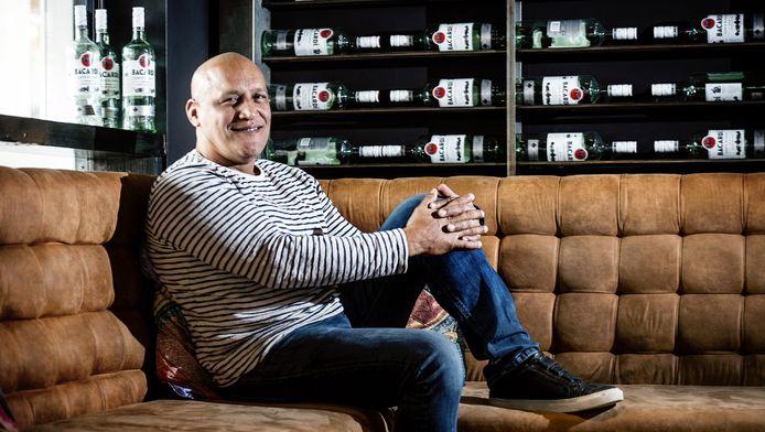 Ben Manuputty, oud-portier van de marathon en eigenaar van restaurant en bar UNO.