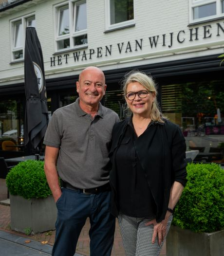 Phivos en Manon nemen na 32 jaar afscheid van Wapen van Wijchen: 'Als iemand het over moet nemen, dan zijn zij het'