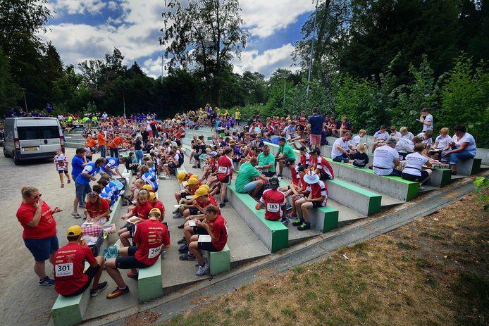 Picknick van nationale  jeugdronde in openluchttheater van vrouwenhof in Roosendaal. Foto Peter van Trijen / pix4profs