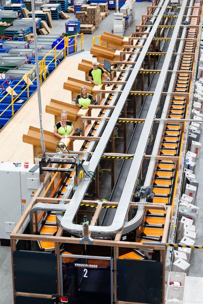 The Cotton on Group uit Australië werkt al langer met een systeem van Vanderlande uit Veghel. De gigant heeft nu een nieuw systeem besteld.