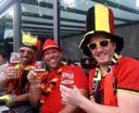 Yves Hoefkens (met hoge hoed) zakte samen met zijn kameraden af naar het terras in Vorselaar