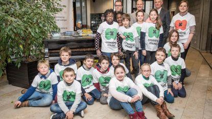 300 jongeren zingen kinderliedjes vanuit hele wereld