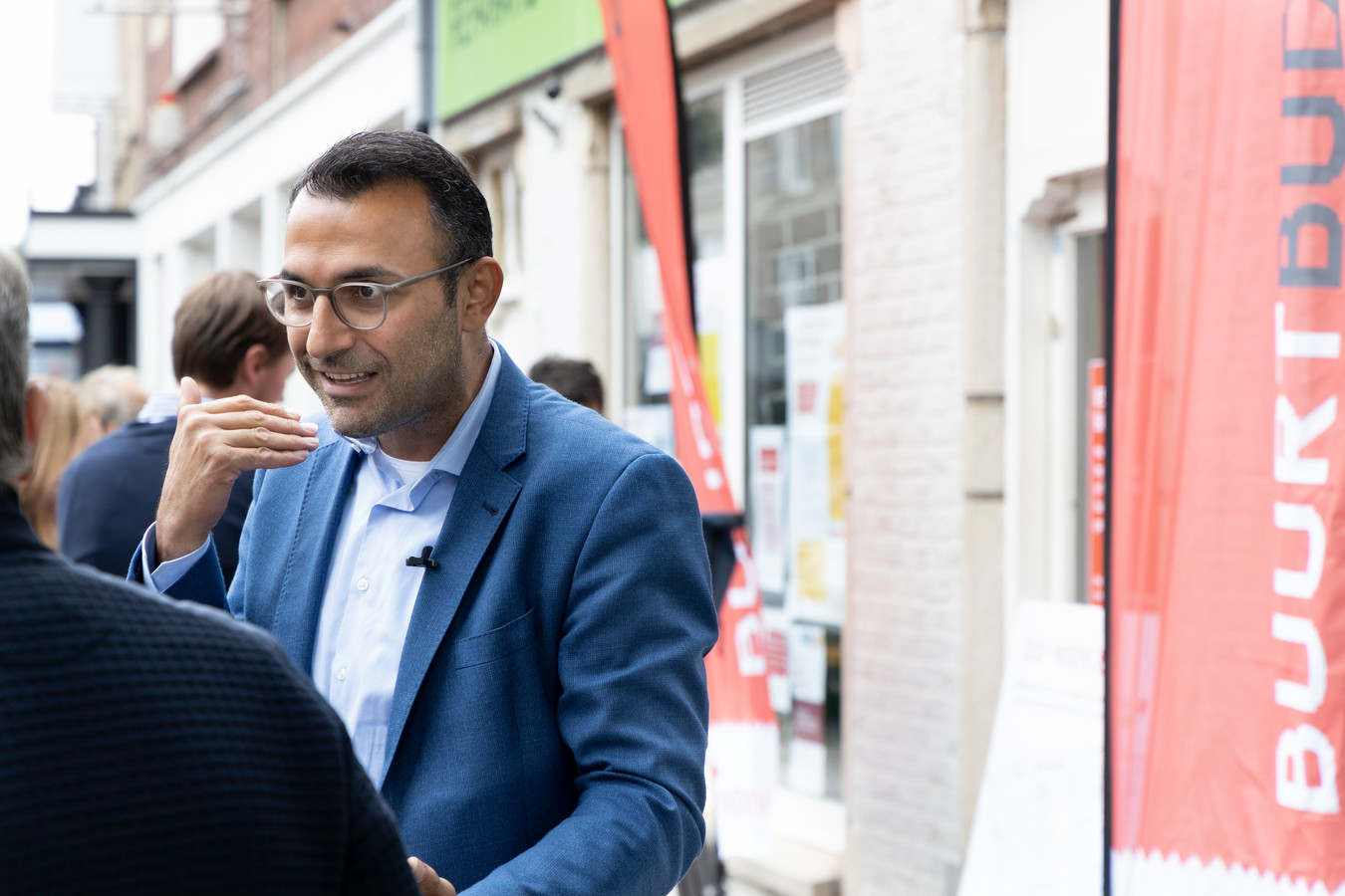 Wethouder Yasin Torunoglu bezoekt de Kruisstraat