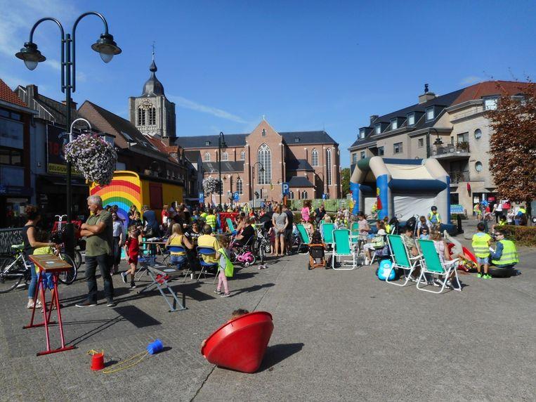 Vorig jaar werd er ook al naar hartenlust gespeeld op de Herenthoutse Markt met dank aan de PretCamionette.