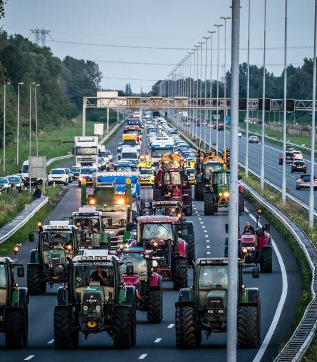 Utrecht verbiedt protest met tractoren bij RIVM, Farmers Defense Force roept boeren op om met auto te komen
