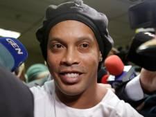 Zorgen om Ronaldinho: 'Vroeg in de ochtend zit hij al aan de wodka, whisky en gin'