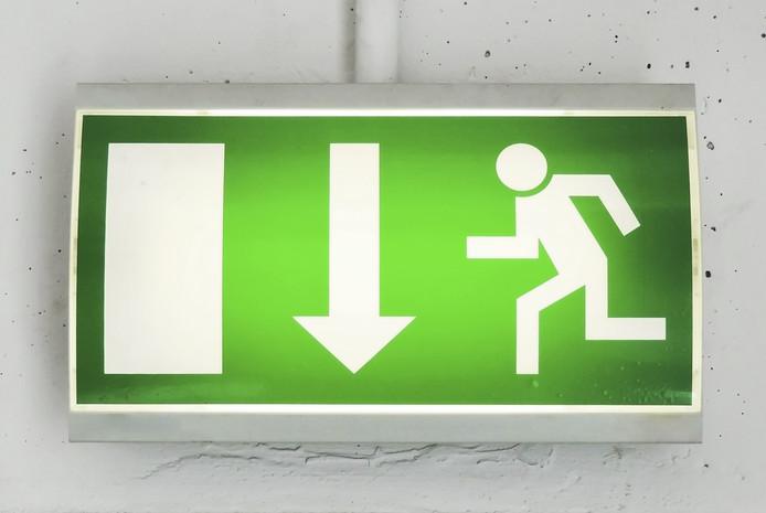Geblokkeerde vluchtwegen, een van de overtredingen die vaak voorkomen bij malafide verhuurders. De gemeente Eindhoven wil daar sneller een boete voor gaan geven.