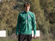 PEC stunt: voetbaljuweel Rav van den Berg (15) blijft in Zwolle, al azen topclubs als Ajax en PSV op hem