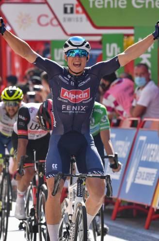 """Philipsen maakt reeks af, Alpecin-Fenix wint elke eerste sprint in grote ronde: """"Dit lukt vaker niet dan wel"""""""