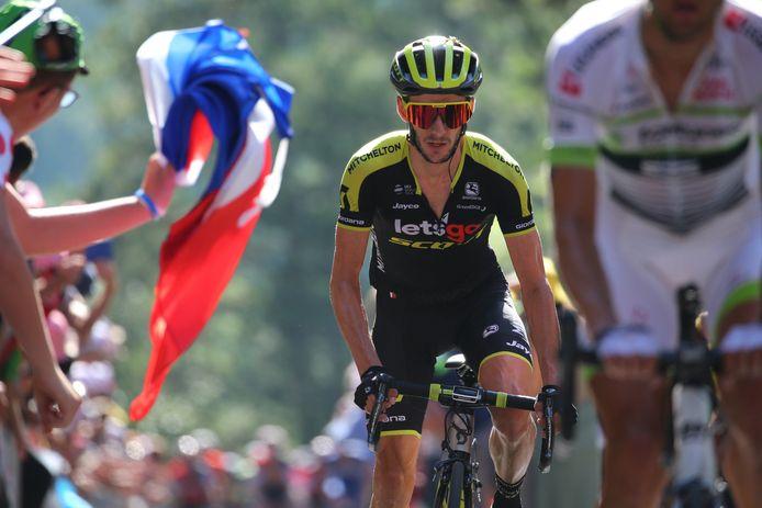 Adam Yates in actie tijdens de Tour de France.