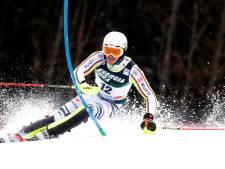 Strasser slalomt naar zege in eerste wereldbekerwedstrijd