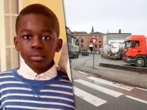 """Garçon de 11 ans mortellement percuté par un camion: """"Impossible d'interdire les poids lourds dans le centre"""""""