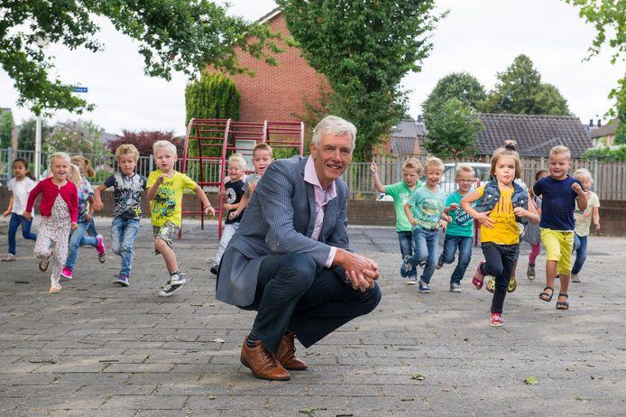 Wim van Ginkel is sinds augustus 2010 directeur-bestuurder bij de Verion, de organisatie voor christelijk onderwijs die tot in 2018 bekend stond als de vereniging Scholen met de Bijbel Wierden-Enter.