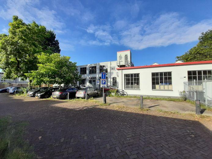 De voormalige brandweerkazerne aan het Sint Annahof, gelegen tussen de Bredaseweg, Capucijnenstraat en Sint Annastraat.