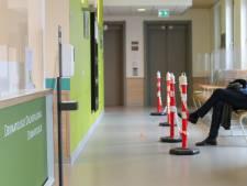 Onderzoek: Bijna kwart van de Nederlanders zette persoonlijke contacten in om zorg te krijgen