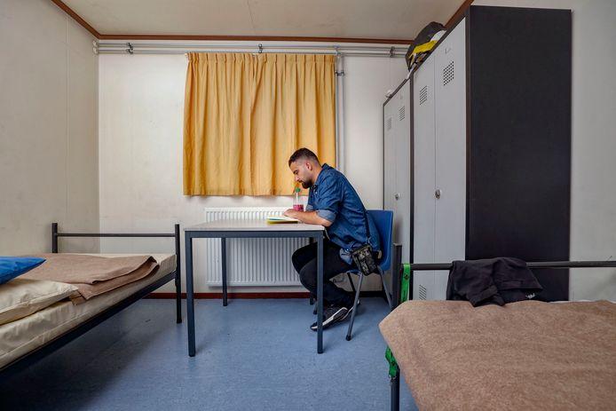 Bashar Abdallah wacht (begin september) in het AZC in Oisterwijk op woonruimte. Foto ter illustratie.