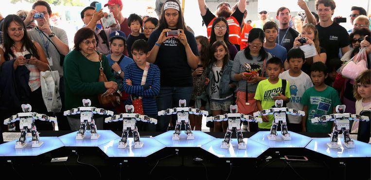 Dansende robots maken hun bewegingen alleen maar omdat mensen daarvoor kiezen. Beeld  Chip Somodevilla/Getty