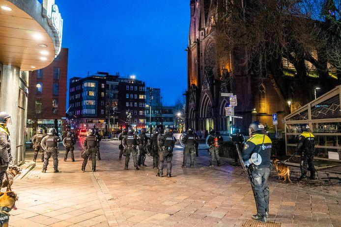 Koninklijke Marechaussee bij rellen in Eindhoven