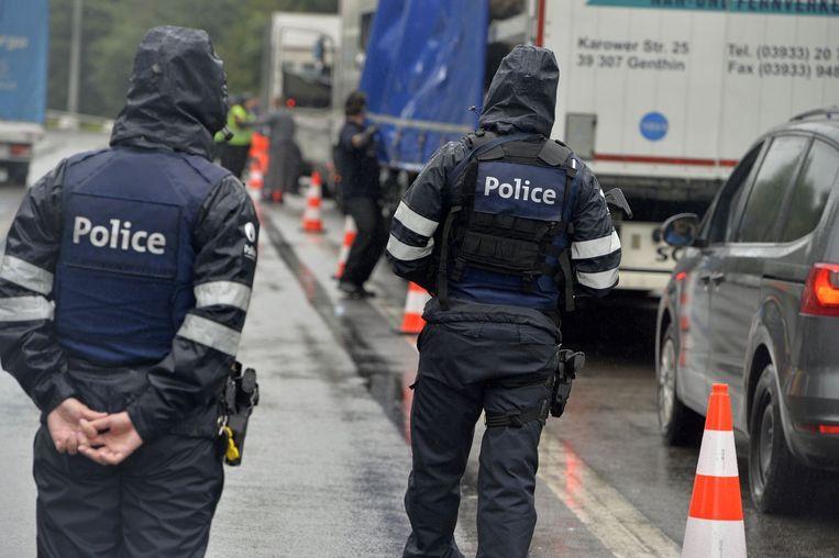 Archiefbeeld van een politieactie tegen mensensmokkel.