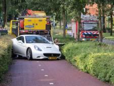 Oeps!  Huur-Ferrari van ruim 2 ton crasht in Eemnes