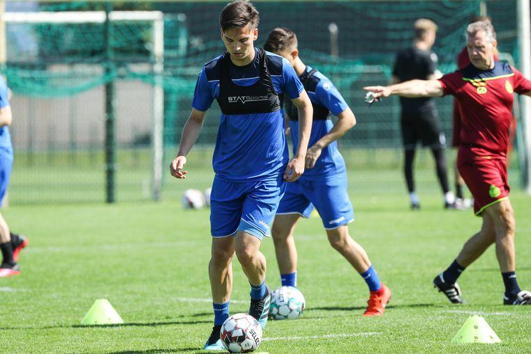 De spelers van Waasland-Beveren bereiden zich voor op het nieuwe voetbalseizoen. In 1A of 1B? Beeld BELGA