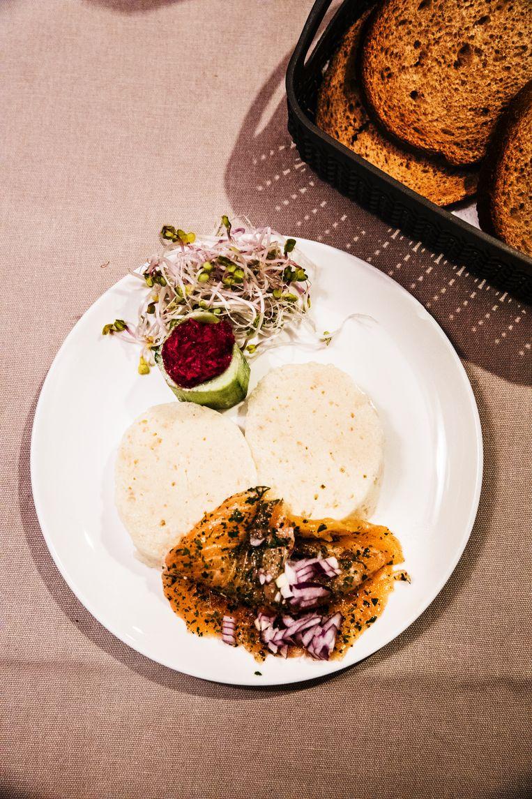 Gefilte fisj is een gerecht dat standaard elke vrijdag avond wordt gegeten bij de sjabbat. Beeld Aurélie Geurts