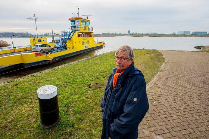Peter Groenestein, bij de veerpont tussen Drongelen en Waalwijk.