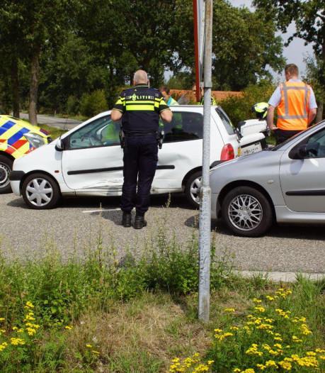 Gewonde bij botsing tussen twee auto's bij Halle