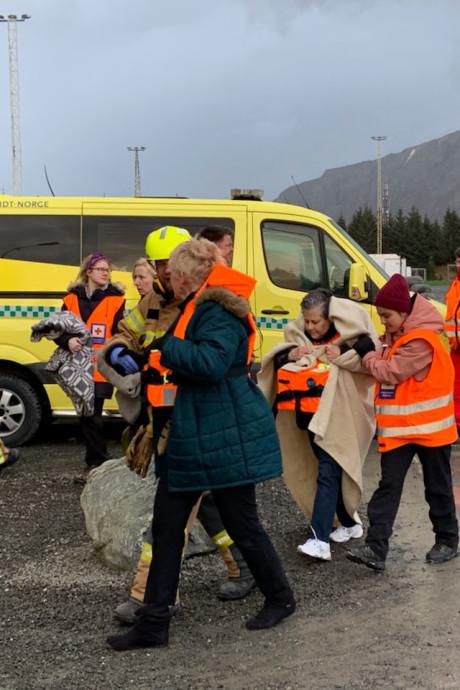 Bijna 400 passagiers geëvacueerd van Noors cruiseschip in nood