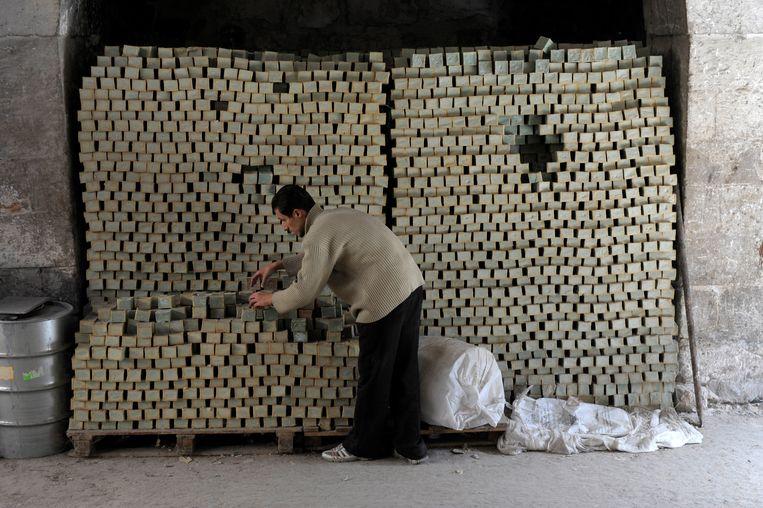 De meeste Syrische zeepmakers zijn uitgeweken naar buurlanden, waar hun productie niet in het gedrang komt. Beeld Imageselect