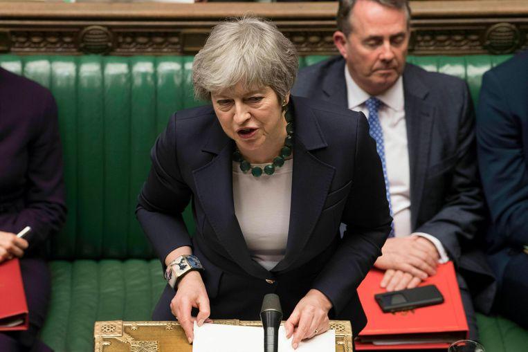 Theresa May probeert vandaag voor de zoveelste keer het Britse parlement te overtuigen. Beeld AP