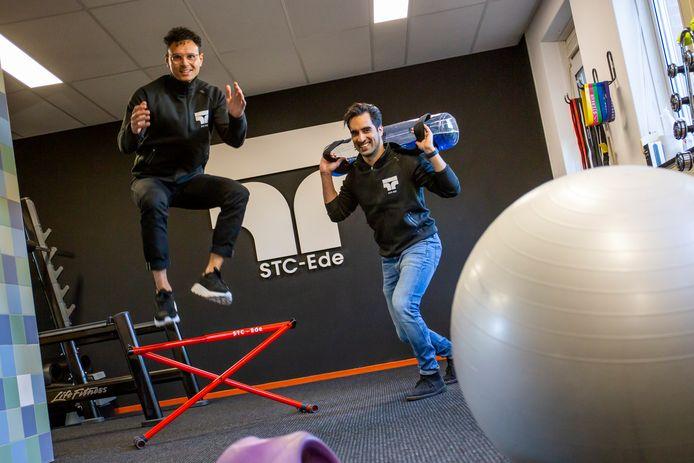 Daniël Veenendaal (links) en Stefan Laurens van STC-Ede.