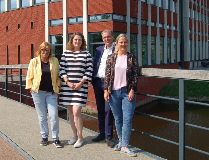 De nieuwe wethouders: Wilma Baartmans, Petra Lepolder, Koos Krook en Esther Prent