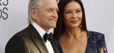 """Catherine Zeta-Jones dévoile le secret de longévité de son couple: """"L'humour et le respect"""""""