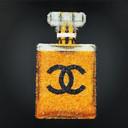 Chanel Glass Bottle, dit kunstwerk maakte Remon van Zoggel van stukken glas met diamantgruis.