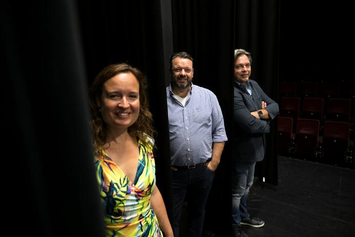 Monique van den Berg, Martijn Docters (m) en Sjoert Bossers in de Lindenzaal waar de escaperoom komt.