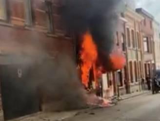 """Bewoners krijgen op reis te horen dat hun huis uitgebrand is: """"We vangen ze op in een woning van de stad"""""""