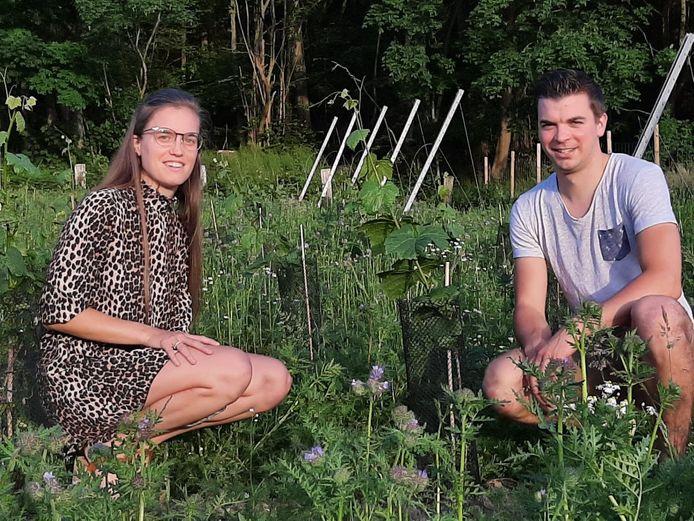 Silke en Seppe Bodequin in hun wijngaard. Een zomerbar mag niet.