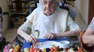 Lekkere taart voor 100-jarige Marie