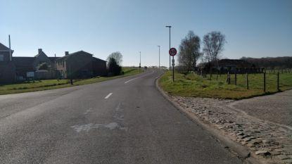 Snelwegbrug in Bergenstraat krijgt fietspaden om schoolgaande jeugd beter te beschermen